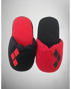 Harley Quinn Slippers - Spencer's