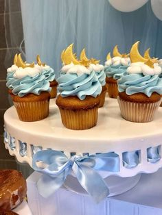 Twinkle Twinkle Little Star Shower.-Twinkle Twinkle Little Star Shower. Twinkle Twinkle Little Star Shower. Cupcakes Baby Shower Niño, Gateau Baby Shower, Idee Baby Shower, Baby Shower Favors, Baby Shower Parties, Baby Shower Themes, Baby Boy Shower, Shower Ideas, Desserts For Baby Shower