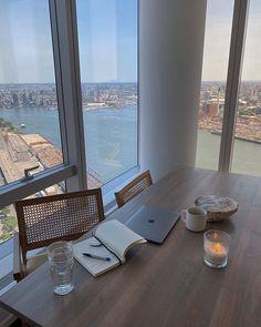 Apartamento New York, Future House, Interior And Exterior, Interior Design, Room Interior, City Aesthetic, Aesthetic Design, Dream Apartment, Girl Apartment Decor