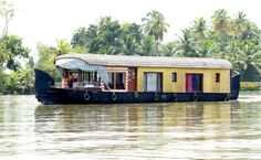 Beautiful places in Kerala - Visit Alappuzha blessed with backwaters and lakes. #Vacation #Trips #Tripping #Travel #Tourism #Trips #Kerala #India
