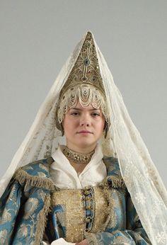 Женский праздничный костюм. Конец XVIII — начало XIX века Кострома