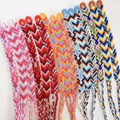 Knotting up a storm last month with this big macrame bracelet order! I love making custom friendship bracelets, so if yo Diy Friendship Bracelets Tutorial, Diy Friendship Bracelets Patterns, Diy Bracelets Easy, Summer Bracelets, Bracelet Crafts, Bracelet Tutorial, Handmade Bracelets, Macrame Tutorial, String Bracelet Patterns