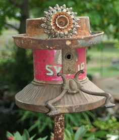(svd) well-dressed upcycled birdhouse