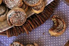 Gluténmentes kakaós csiga készítés sikérhelyettesítőkkel. Cereal, Food And Drink, Gluten Free, Meat, Breakfast, Glutenfree, Beef, Morning Coffee, Sin Gluten