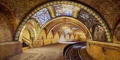 Guastavino tile vaults at City Hall Subway Station with polychrome glaze, New York City, architects Heins and LaFarge (1904). Photography © ...