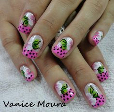 beautiful designed nails perfect for the summer