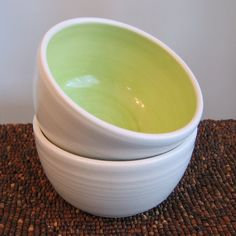 Soup or Cereal Bowls in Lime Green  Set of 2 von KarinLorenc