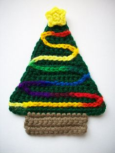 Colorful Christmas Tree Coaster - free crochet pattern