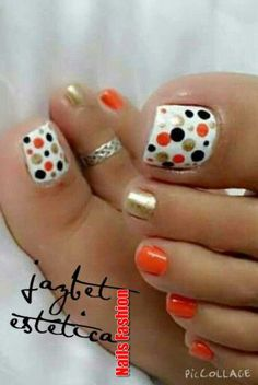Installation of acrylic or gel nails - My Nails Pretty Toe Nails, Cute Toe Nails, Fancy Nails, Toe Nail Art, Diy Nails, Bright Toe Nails, Black Toe Nails, Cute Pedicures, Nagellack Trends
