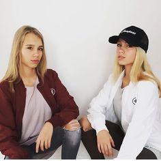 LELI Instagram Photos - Pictigar