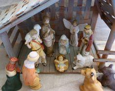 Nativity scene / natavity set / vintage nativity / nativity / nativity figurine / porcelain nativity figures / Jesus nativity figurine