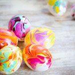 http://www.henryhappened.com/nail-polish-marbled-eggs.html