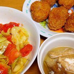 ⚫︎ひれかつ ⚫︎きゃべつ、トマトのアンチョビ炒め ⚫︎がんもどき、芋づる、溶き卵の味噌汁 - 4件のもぐもぐ - 2015.01.16 by amagishinjyu