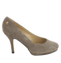 Zapato de ante en Beige oscuro con plataforma. Un modelo de zapato básico y agradable. Ref.6636 //Suede platform heel shoe in dark Beige . Basic and nice. Ref.6636