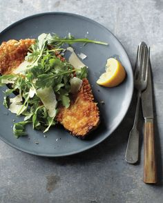 Breaded Eggplant with Arugula and Parmesan: Our vegetarian take on veal Milanese is both crisp and tender, with a flavor brightened by lemon. Salting the eggplant helps temper its bitterness. Italian Eggplant Recipes, Italian Foods, Vegetarian Recipes, Healthy Recipes, Yummy Recipes, Ovo Vegetarian, Vegetarian Dinners, Skinny Recipes, Chef Recipes