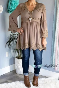 When you wear women's plus-size tunics from Angel Heart Boutique, you'll always look incredible -- wherever you go! Visit the Angel Heart Boutique website to see these cardigans and other unique and beautiful women's plus-size kimono cardigans today. Over 50 Womens Fashion, Fashion Over 50, Boho Fashion, Fashion Beauty, Autumn Fashion, Fashion Outfits, Fashion Trends, Ladies Fashion, Fashion Tips