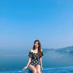 Image may contain: 1 person, standing, sky and outdoor Ulzzang Fashion, Korean Fashion, Korean Bikini, Korean Best Friends, Preety Girls, Pretty Korean Girls, Ulzzang Korean Girl, Western Girl, Uzzlang Girl