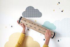 Mit der Limmaland Versandrolle aus Pappe einen Regenmacher basteln – Musikinstrument für Kinder selber machen. Bastelanleitung zum Upcycling gibt es hier!