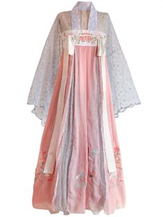 Chinese Clothing Traditional, Traditional Dresses, Hanfu, China Fashion, Fashion Sketches, Evening Gowns, Kimono Top, Chinese Outfit, Chinese Dresses