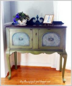 The Empty Nest: Chalk Paint® Project Gallery Antillbes/Olive mix with Aubusson