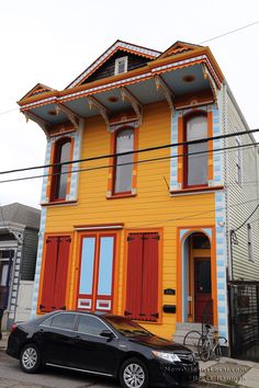Great paint scheme on the facade of this Marigny home.