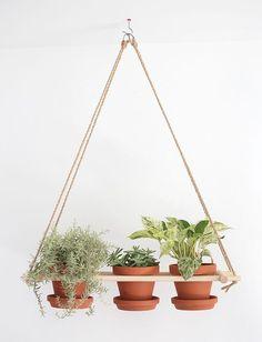 Creative DIY Planters - DIY Hanging Planters - Best Do It Yourself Planters and crafts that you can Diy Hanging Planter, Diy Planters, Planter Ideas, Succulent Planters, Hanging Baskets, Small Backyard Gardens, Backyard Garden Design, Fun Backyard, Large Backyard