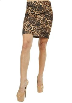 Fusta Dama Leopard Print  Fusta dama casual-eleganta cu un imprimeu deosebit. Design cool, ce poate fi purtat la diferite ocazii si va va face cu siguranta remercata.     Lungime: 50cm  Latime talie: 35cm  Compozitie: 90%Vascoza, 10%Poliester