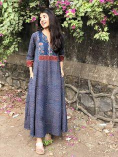 Simple Kurti Designs, Kurti Neck Designs, Kurta Designs Women, Casual Indian Fashion, Korean Fashion Dress, Fashion Outfits, Fashion Pants, Women's Fashion, Kurta Patterns