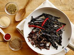 Get this all-star, easy-to-follow AB's Chili Powder recipe from Alton Brown.