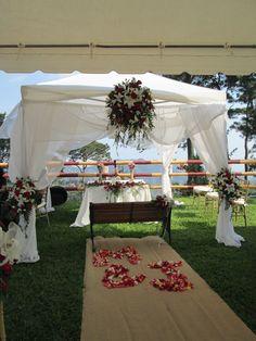 Pergola decorada para boda