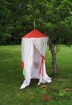 2 Little Hooligans Play Tent Tutorial: Easy free tutorial using a hoola hoop, sheets and ribbons. Hurrah !!
