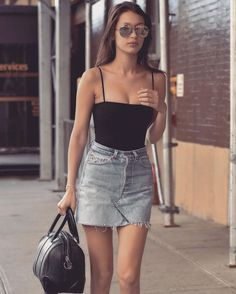 Street Style began to steal the attention of all the fashion lovers in the world, maybe you ever with street fashion? Street style or street fashion is a style that we can find on the streets of bi… Fashion Clothes, Fashion Outfits, Womens Fashion, 90s Fashion, Denim Fashion, Trendy Fashion, Fashion News, Fashion Jewelry, Teenager Fashion Trends