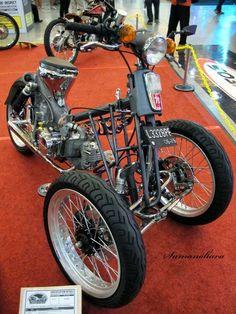 Honda Cub, Trike Motorcycle, Moto Bike, Custom Bikes, Custom Cars, Three Wheel Bicycle, Power Bike, Offroader, Reverse Trike