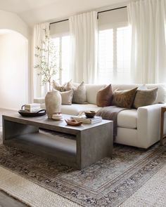 Condo Living Room, Cozy Living Rooms, Home And Living, Living Room Decor, Living Spaces, Coffee Table Centerpieces, Centerpiece Ideas, Monochromatic Room, Transitional Living Rooms