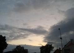 An Imperial/Tector class star destroyer shaped cloud that just appeared , when I was on my way to home from work