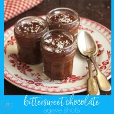Joy of Kosher's exciting Passover dessert recipes help you create your favorite desserts in new ways. Get the recipes! Elegant Desserts, Great Desserts, Dessert Recipes, Passover Desserts, Passover Recipes, Australian Desserts, Raw Brownies, Meringue Cake, 5 Ingredient Recipes