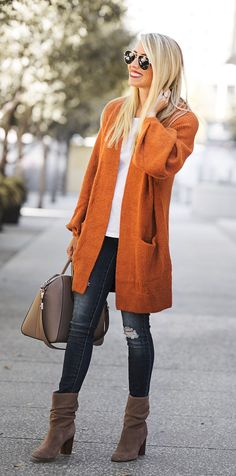 Awesome 62 Best Everyday Casual Outfit Ideas You Need https://bitecloth.com/2017/10/14/62-best-everyday-casual-outfit-ideas-need/ #FashionTrendsAccessories