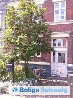 Ny Havnegade 50, 8700 Horsens - Dejligt stort vestvendt familieegnet byhus i den engelske gade #rækkehus #horsens #selvsalg #boligsalg #boligdk
