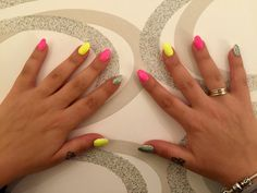 Neon yellow And pink And a little bit of glitters! Neon Yellow, Glitters, Engagement Rings, Nails, Pink, Enagement Rings, Finger Nails, Wedding Rings, Ongles