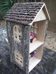 Gorgeous, natural dollhouse made with a base from the craft store. The author is so creative! I know what my daughter is getting for Easter!