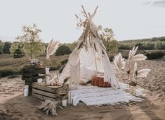 Wildromantischer Boho-Chic im Tipi – Hochzeitswahn – Sei inspiriert – Party Ideas Chic Wedding, Dream Wedding, Tepee Wedding, Bohemian Wedding Reception, Wedding Lounge, Wedding Ideas, Bodas Boho Chic, Unique Baby Shower Themes, Estilo Boho