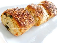 It is a wonderful pastry in the taste of water pastry. Turkish Recipes, Ethnic Recipes, Pizza Pastry, Salty Foods, Mediterranean Recipes, Sweet And Salty, Cookie Recipes, Food To Make, Brunch