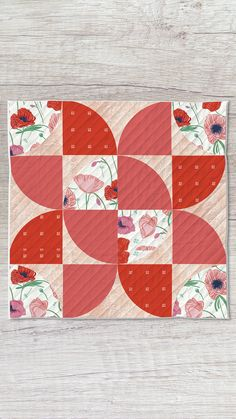 Art Gallery Fabrics Oeko-tex certified. 100% Premium cotton. Click on the image for the FREE PATTERN! Fabric collection: Flowerette by AGF Studio Quilt Patterns Free, Free Pattern, Drunkards Path Quilt, Patchwork Pillow, Art Gallery Fabrics, Pattern Fabric, Fabric Tags, Quilt Tutorials, Free Sewing