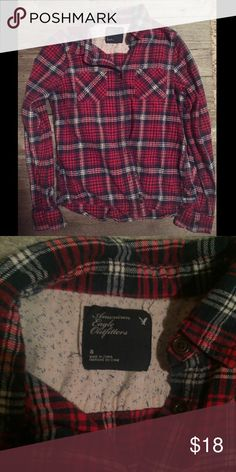 American Eagle red white blue flannel American Eagle • size 8 • flannel • button up American Eagle Outfitters Tops Button Down Shirts