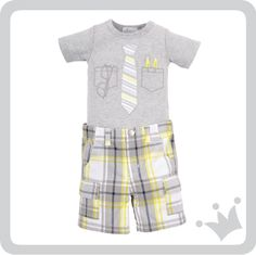 Y para todas las mamás que quieren ver a sus bebés con un estilo muy preppy, aquí está nuestro recomendado del día, corbata, lentes y lapiceros, para que se parezca más a su papá.http://www.shopepk.com.co/index.php?page=shop.product_details&flypage=flypage_look.tpl&product_id=725&category_id=167&option=com_virtuemart&cat=26&Itemid=69
