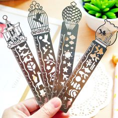1 PCS Paper Clips Ruler Shaped Metal Bookmarks Cute Bookmarks-Four Style korean stationery