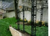 Hand forged wrought iron pergolas (also known as arbours or tunnel arches) are the ideal choice for the garden because they look lighter and more elegant than other materials. Iron Pergola, Gazebo Pergola, Pergola With Roof, Grey Stone, Planter Boxes, Eco Friendly, Arch, Things To Come, Backyard