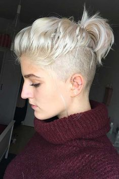 21 Attention-Grabbing Undercut Bob Ideas To Bolden Your Days - Marry Ko. - 21 Attention-Grabbing Undercut Bob Ideas To Bolden Your Days – - Undercut Bob Haircut, Pixie Haircut, Long Hair With Undercut, Undercut Pixie, Undercut Ponytail, Shaved Undercut, Shaved Nape, Sidecut Hair, Undercut Girl