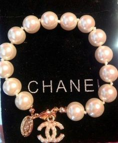 Used Luxury Item: Chanel White Pearls Gold Bracelet Bracelet Chanel, Chanel Jewelry, Luxury Jewelry, Cute Jewelry, Jewelry Accessories, Fashion Accessories, Fashion Jewelry, Gold Jewelry, Jewelry Shop