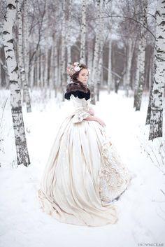 Winter bride: photo by snowmice makeup by Эля Саярова (Elya Sayarova)